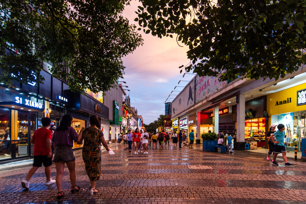 guilin shopping street lower tier cities consumers