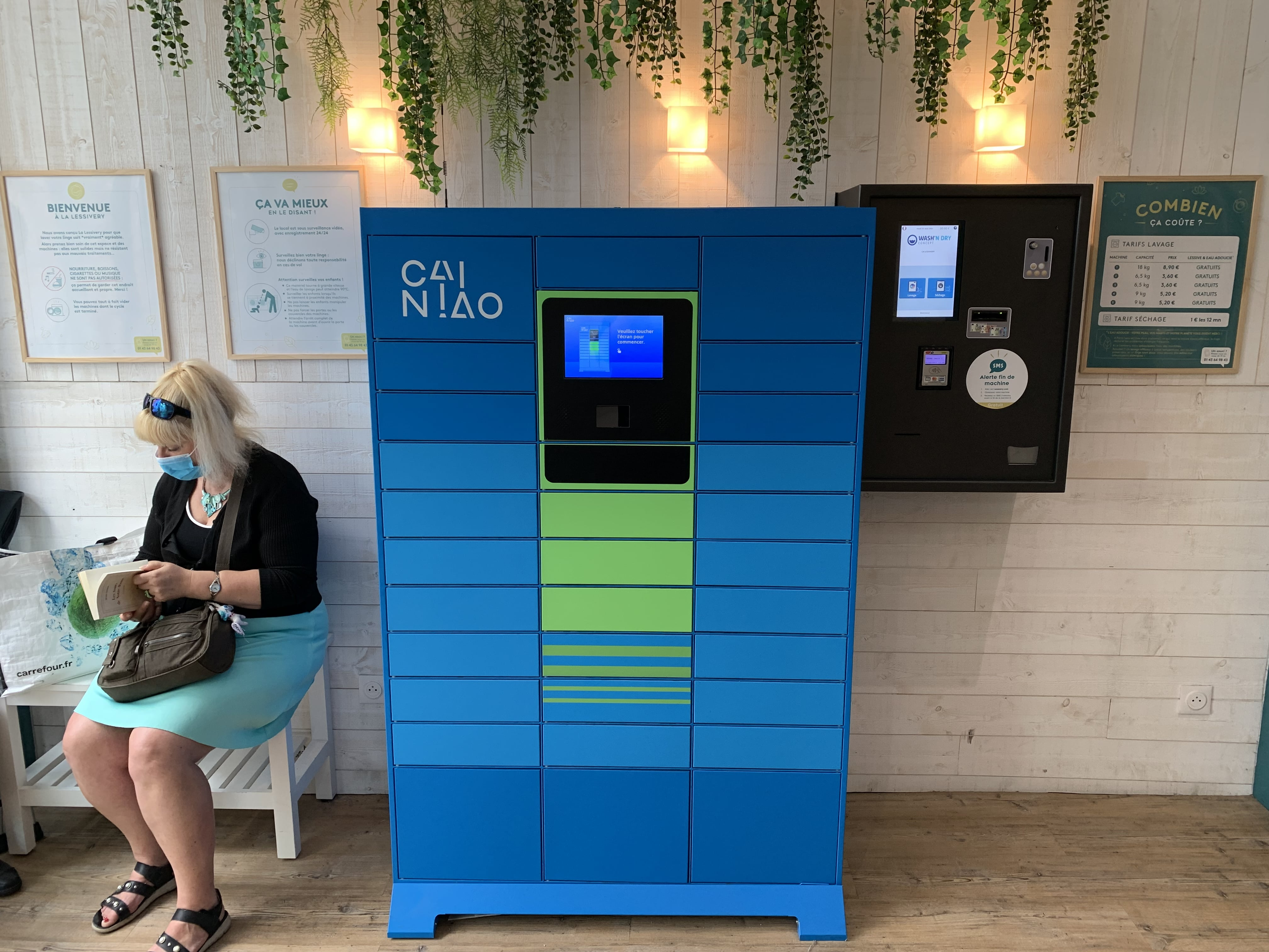 Contactless Lockers Min